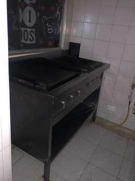 Se vende horno, parrilla, estufa,campana, lavaplatos, atrapagrasa, campana y menaje de restaurante