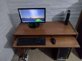 Pc de escritorio completa.