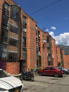Se vende apartamento en Bello, sector Bucaros, precio negociable!