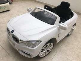 Carro moto electrico niño/niña blanco recargable marca BMW