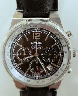 Reloj Casio Edifice Chronograph con fecha y segundos