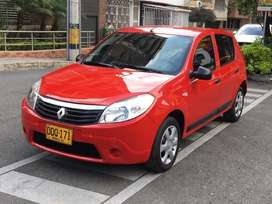 Renault Sandero 2010 Full