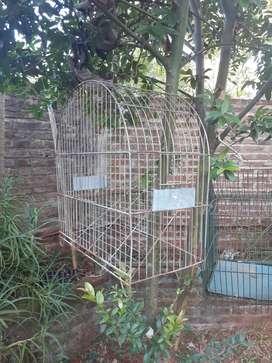vendo jaula para pajaro grande