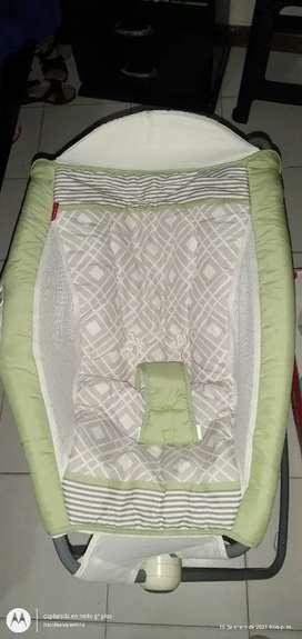 Se vende silla de bebé se usa también como cuna el primer mes