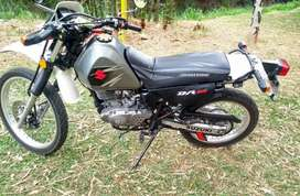 VENDO MOTO  DR -200 Suzuki