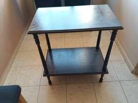 mesas y sillon varios