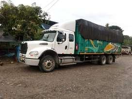 vendo camion freihgliner M2-112