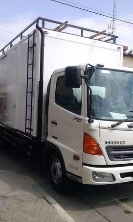 EN VENTA HINO 500 FLAMANTE SEMI - NUEVO
