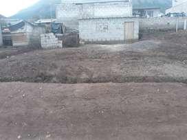 VENTA DE TERRENO CON CONSTRUCCION EN ATUNTAQUI