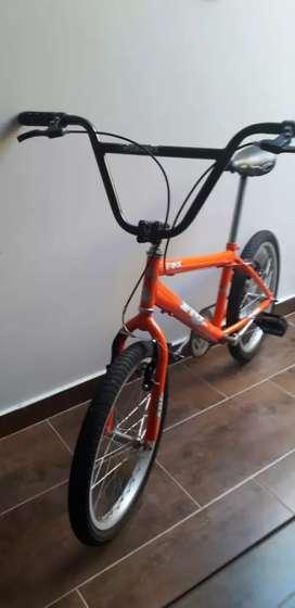 Bicicleta para niño o niña tipo cross deportivo color naranja