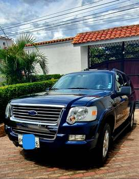 Ford Explorer 4x2, 3 filas de asientos