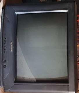 VDO. POR NO USAR TV COLOR,  MARCA NOBLEX, 21TC618- 90-260 V.C.A. 50/60 Hz.Autom. 90 W. Serie 618- 11001.