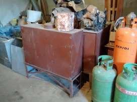 2 tanques de chapa ,con caballetes.ideal para combustible p/calefactores