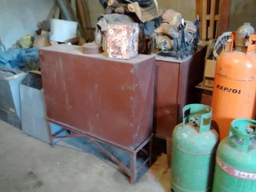 2 tanques de chapa ,con caballetes.ideal para combustible p/calefactores 0