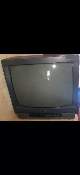 Vendo televisor en muy buen estado de la marca SANKEY