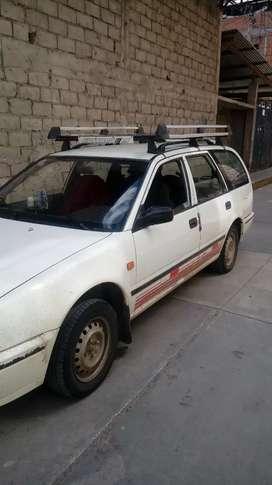 Vendo auto nissan avenir 4x4 desblocable. A gas y gasolina año 1995 conservado. Documentos al dia