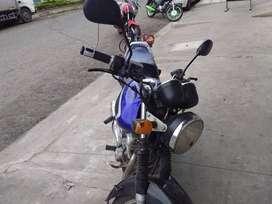 Moto suzuki motor 125 EN a toda prueba matriculada