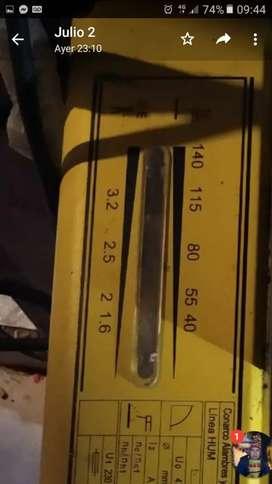 Vendo soldadora eléctrica semi nueva grande marca conarco conarco 2000 140 amp