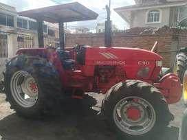 Tractor Agrícola marca Mc cormick 90