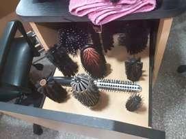 Vendo equipo de peluquería. Estetica.manicuria.pedicuria más materiales.en perfecto estado