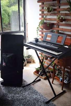 Piano Yamaha PSR E243