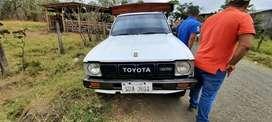 Toyota stout 2000 .. del año 81 cabina totalmente nueva motor reparado llantas nuevas reforzada