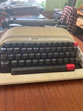 Maquina de escrivir olivetti letra 12