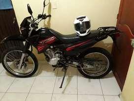 Xtz 125cc negra buen estado