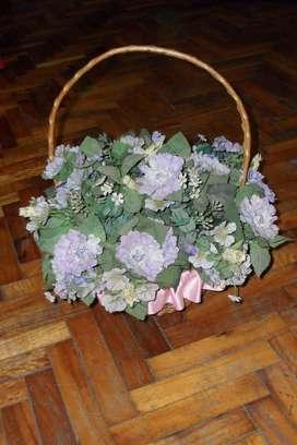 Canasto De Mimbre Con Flores De Tela Lavables Decorativas!