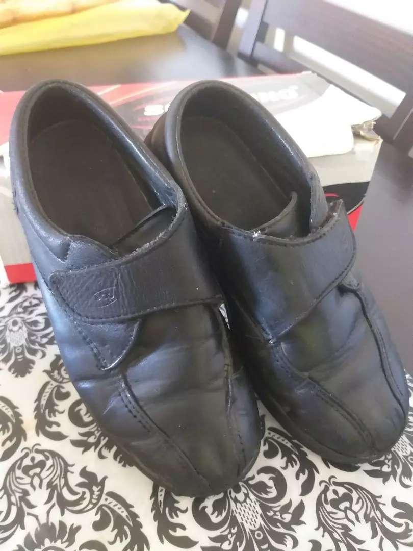 Zapato escolar N 33 usado 0