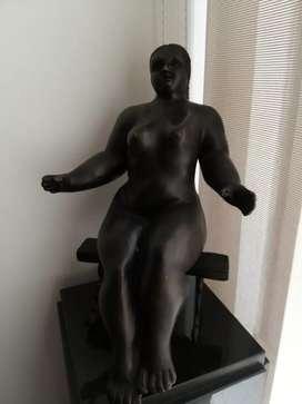 Escultura en bronce mesa