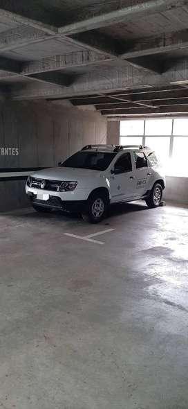 Camioneta Duster servicio especial como nueva