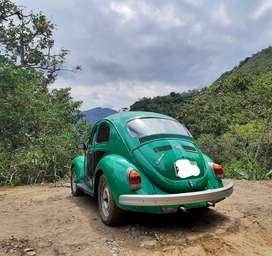 Volkswagen Escarabajo alemán año 71 operativo, cuánta con targeta, SOAT VIGENTE traspaso notarial