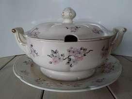 Sopera Porcelana Hartford Flor de Durazno Borde Filigrana