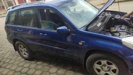 Se vende auto toyota Rav-4 modelo 2004 en buen estado.