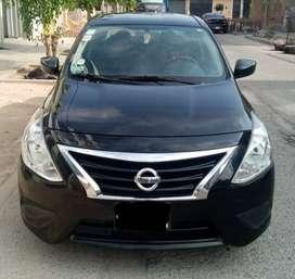 Venta de auto Nissan Versa 2014