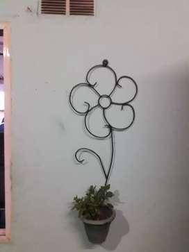 Masetas colgante figura una flor