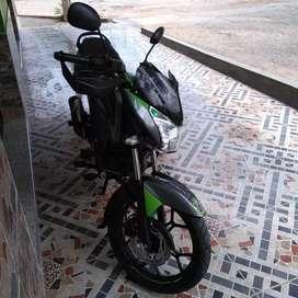 Vendo moto discover 150 st competición o permuto por dr 150