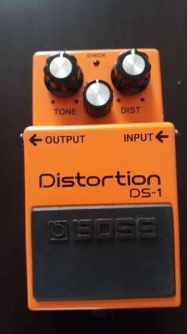 Pedal Distortios DS-1 de BOSS