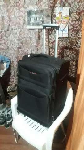 Vendo hermosa y nueva maleta