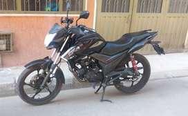 vendo Moto AKT CR4 - poco uso, original 10/10