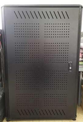 Rack metálico gabinete de piso 65x61x90
