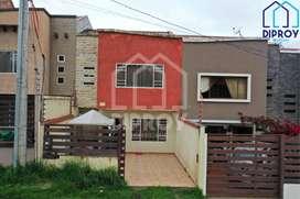Se vende casa de 3 pisos en Los Cerezos