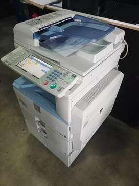 Vendo fotocopiadora ricoh en excelentes condiciones