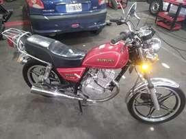 Suzuki gn 125 2015