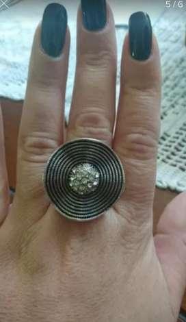 gran anillo tipo sombrerito marquesita