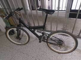 Bicicleta GW modificada. Negociable