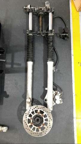Venta de tren  delantero y repuestos de motor  usados para RX Y DT