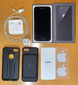 Iphone 8. 64gb. Como nuevo, bateria al 97%. Funda cargadora apple, cargador usb nuevo y auriculares en caja.