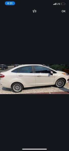 Se vende Ford Fiesta automatico